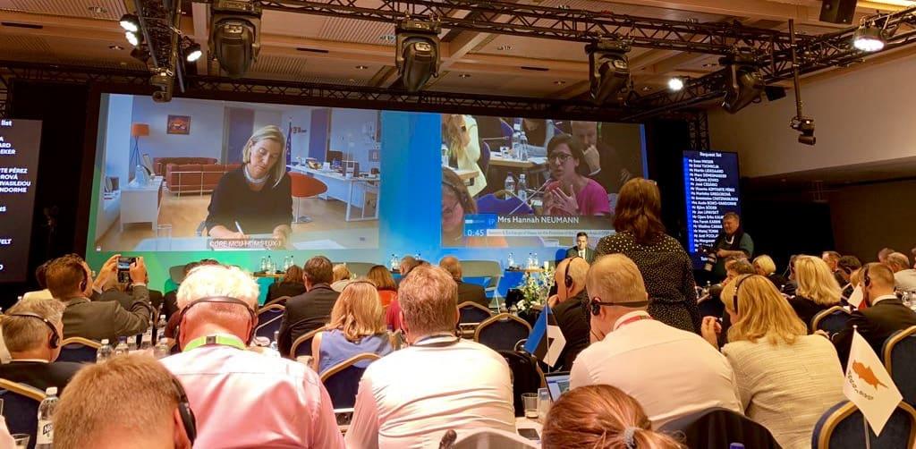 Hannah Neumann bei der Inter-Parlamentary Conference (IPC) ein Helsinki
