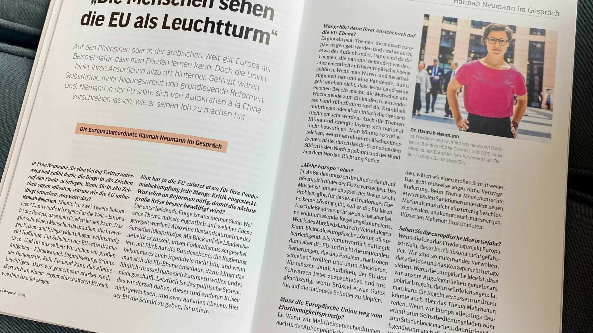 """Die EU als Beweis dafür, dass man Frieden lernen kann: Mein Interview in der Zeitschrift """"Internationale Politik"""""""